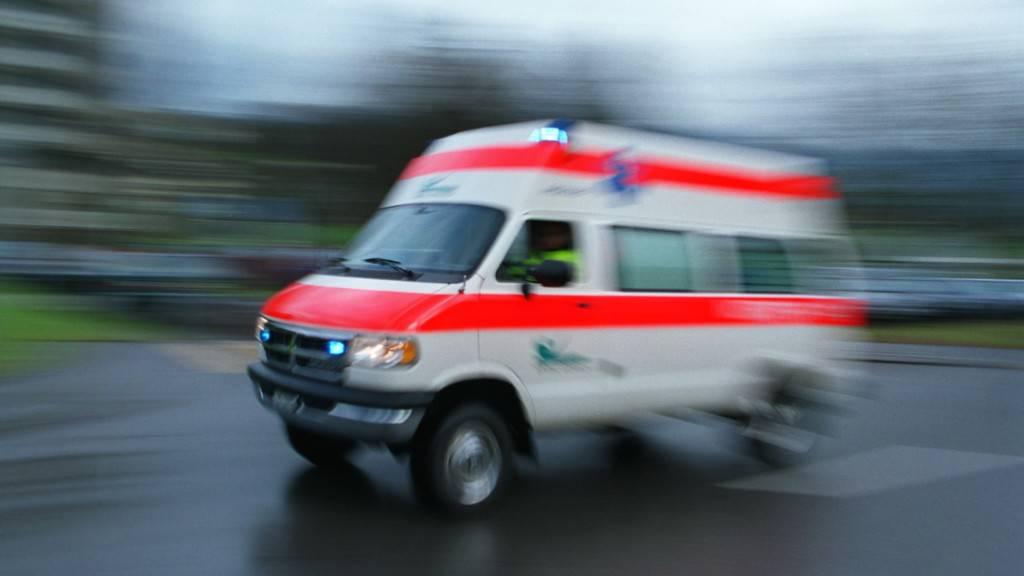 Zusammenstoss zwischen Velo und Töff: Zwei Verletzte