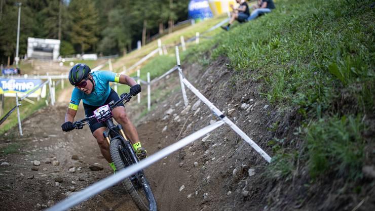 Die Solothurnerin Nathalie Schneitter bei der Goldfahrt beim E-Mountainbike-Rennen.