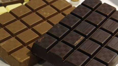 Mehr als zehn Tonnen Schokolade wurde laut Käufer beschädigt und ungeniessbar angeliefert. (Symbolbild)