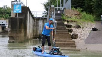 Merijn Tinga paddelt rund 1200 Kilometer auf dem Rhein.Dennis Kalt