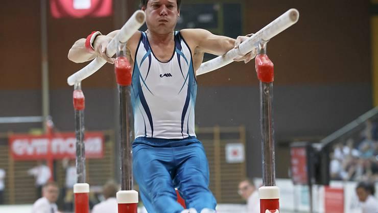 Pascal Bucher bei seiner Barren-Übung an den Schweizer Meisterschaften Anfang September in Morges