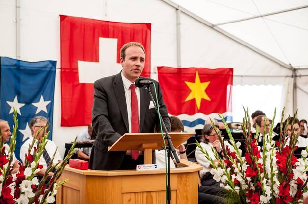 Grossratspräsident Marco Hardmeier spricht an der Bundesfeier in Wettingen. 2