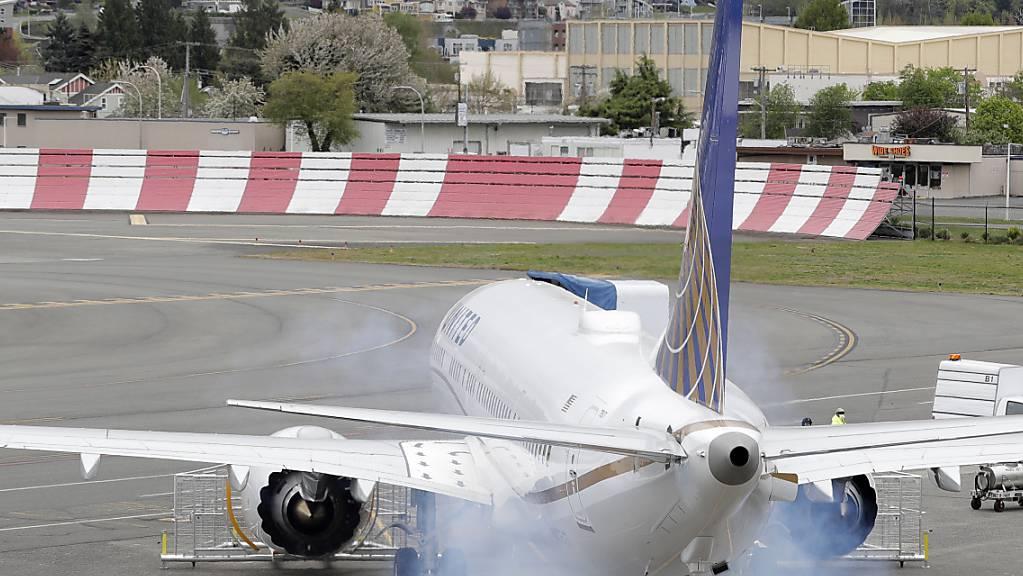 Nach dem mehr als einjährigen Startverbot für den Mittelstreckenjet Boeing 737 Max kann der Flugzeugbauer Testflüge starten. (Archivbild)
