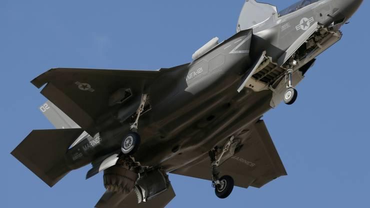 Die USA haben die Auslieferung von Material für F-35-Kampfjets in die Türkei vorerst gestoppt. Sie reagieren damit auf die Absicht der Türkei, ein russisches Raketenabwehrsystem zu kaufen. (Archivbild)