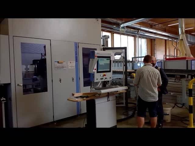 Holzbearbeitungsroboter bei Hüsler Nest in  Grenchen