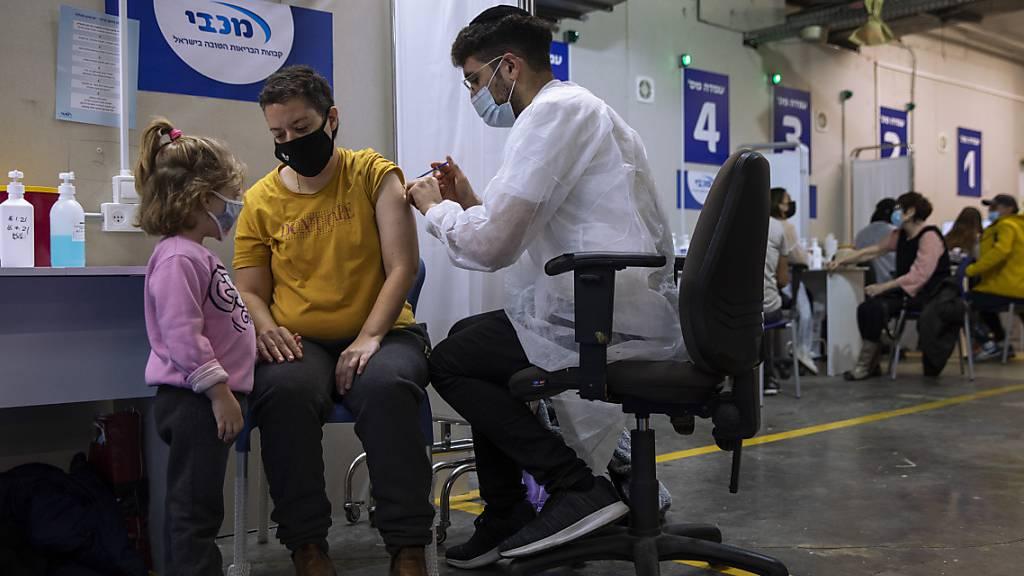 Israel will Flughafen wegen hoher Corona-Zahlen schliessen