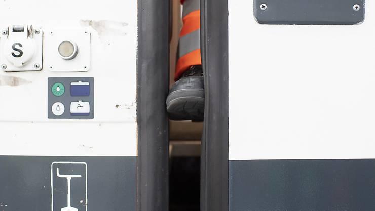 Das Problem mit dem Einklemmschutz bei den Zugstüren war bereits Jahre vor dem tödlichen Unfall in Baden AG bekannt. (Archivbild)