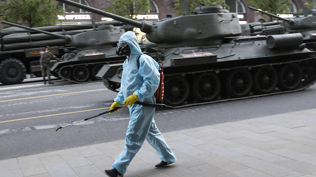 WHO sieht Ansteckungsrisiko bei Militärparade in Moskau