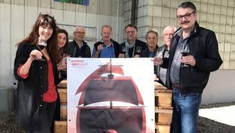 Von links: Pia Bürki, Barbara Fluri, Schneiderei, Heinz Hugi, Weinkellerei, Roland Hartmann, Martin Sollberger, Helfer, Ueli Bucher, Präsident Verein Sommeroper und René Gehri.