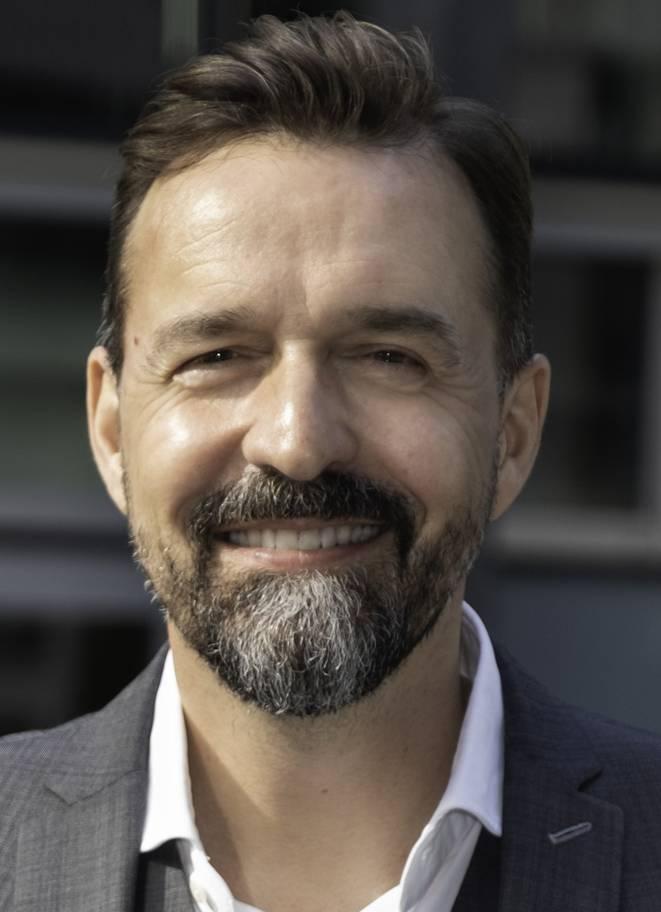 Samuel Bon leitet Swisscontact seit 2011. Zuvor war der 50-jährige, in Zürich aufgewachsene Theologe für das Rote Kreuz unter anderem im Kongo, Süd-Sudan und in Afghanistan stationiert.