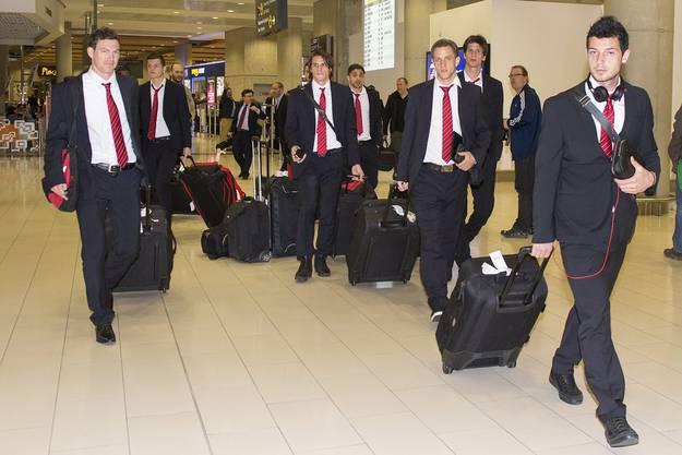 Die Nati trifft am Flughafen Larnaca ein