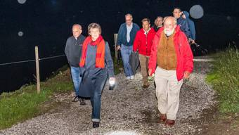 Der Bundesrat wanderte am Donnerstagabend durch den Naturpark Gantrisch.