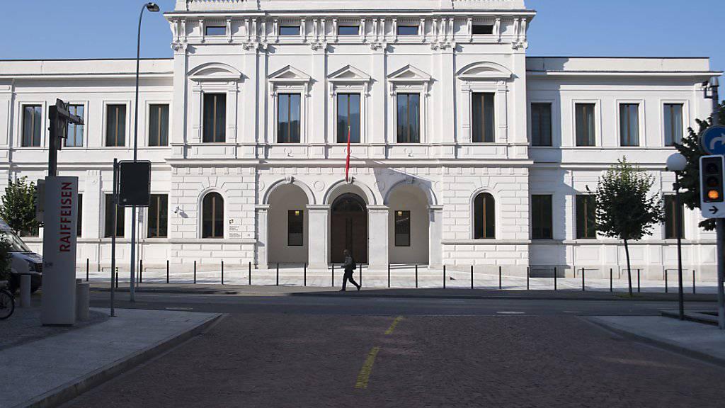Die Beschwerdekammer des Bundesstrafgerichts in Bellinzona hat eine Beschwerde des gambischen Ex-Ministers Ousman Sonko gegen die Verlängerung der Untersuchungshaft abgewiesen. (Archiv)
