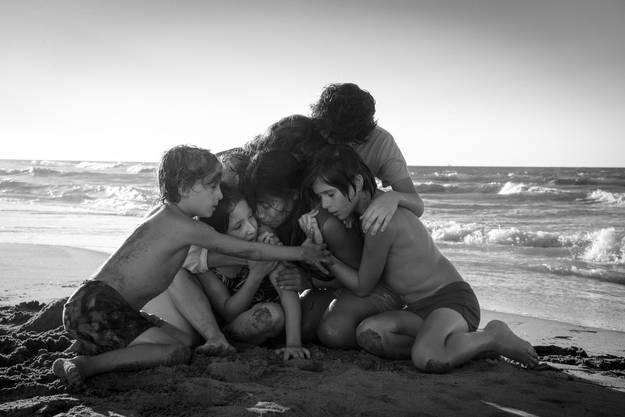 Netflix bislang grösster Filmerfolg: Das Schwarz-Weiss-Meisterwerk von Alfonso Cuarón («Gravity») ist eine epische und zugleich intime Ode an eine selbstlose Haushälterin. «Roma» gewann den Goldenen Löwen in Venedig und gilt als aussichtsreicher Oscar-Kandidat. Ab 14. Dezember.