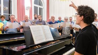 Unter der neuen Leitung von Renato Botti probt der Chor bereits seit August den «Vogelhändler», der von März bis Juni 2017 aufgeführt wird.