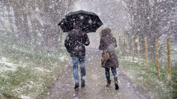 Schnee-Spaziergänge im Frühling sind auch heute möglich, obwohl der April in den letzten Jahrzehnten deutlich wärmer geworden ist. (Archiv)