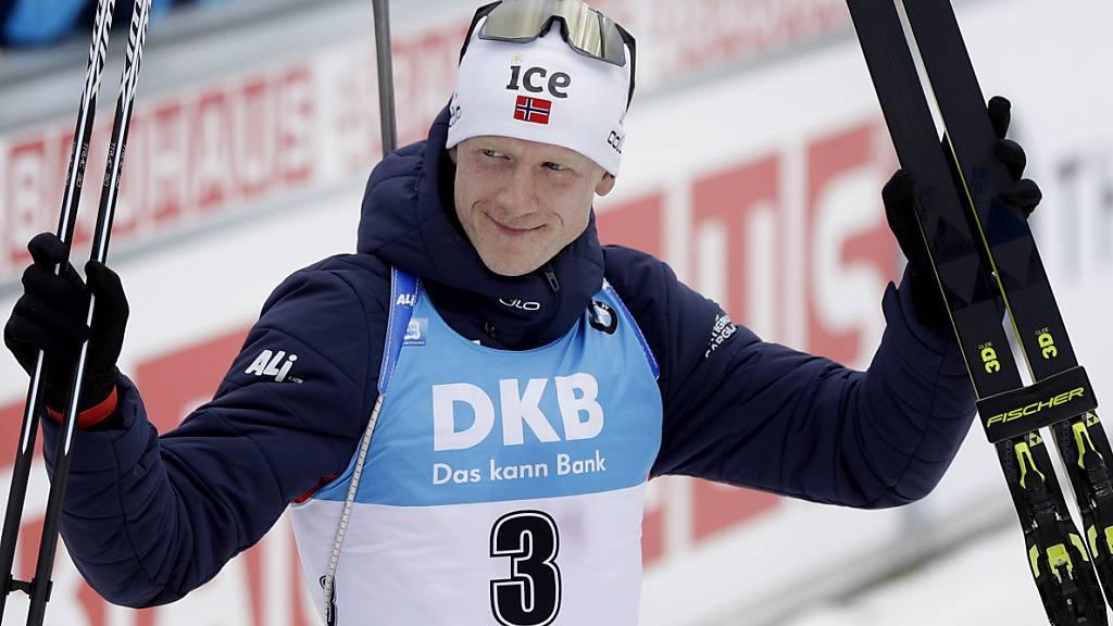 Johannes Thingnes Bö gewinnt trotz Fourcades Sieg den Gesamtweltcup