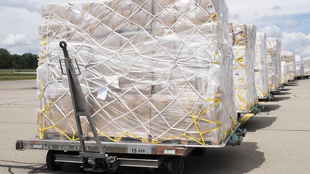 Schweizer Exporte stagnieren im Juli