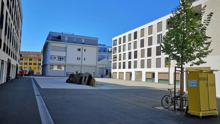 Ist seit seiner Einweihung im August 2016 vor allem grau und oft menschenleer: der Markus-Roth-Platz in Lenzburg.