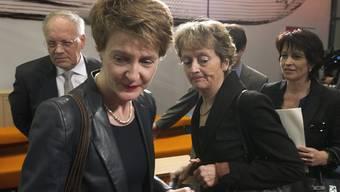 Wirtschaftsminister Johann Schneider-Ammann kommt Justizministerin Simonetta Sommaruga mit Alleingängen ins Gehege.