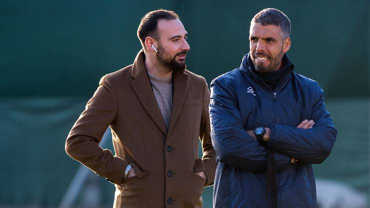 Sportchef Giovanni Manna (l.) und Trainer Fabio Celestini (r.) nach dem Training des FC Lugano.