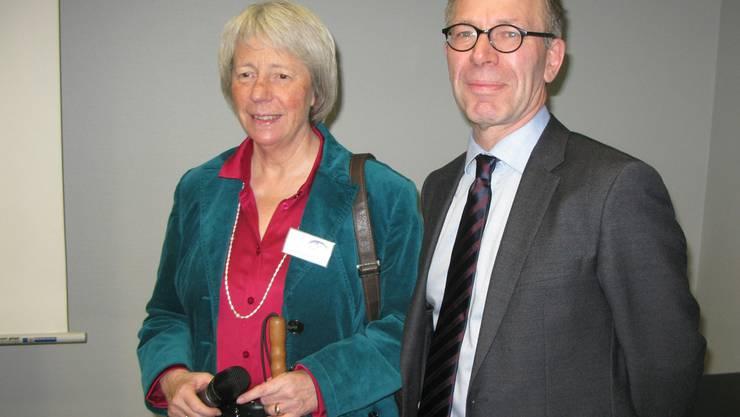 Christina Fasser, die Geschäftsführerin der Retina Suisse, mit dem Augenarzt Heinrich Gerding