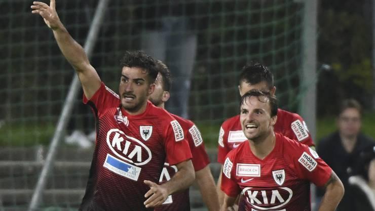 Die Aarauer bejubeln ihre 2:0 Führung