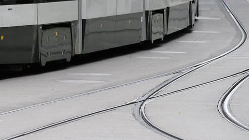 """Dass die VBZ sich für die zu erwartenden Gleisbelastungen aber gar nicht erst interessiert hätten, bezeichnete Stadler Rail-Chef Peter Spuhler als """"doch sehr aussergewöhnlich""""."""