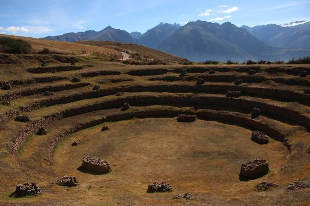 Das Valle Sagrado ist hauptsächlich aber natürlich bekannt für seine unzähligen Inka-Ruinen. Zum Beispiel die Anlage Moray, die aus mehreren Terrassen besteht