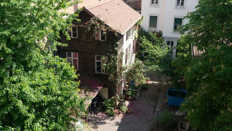 Noch steht der Innenhof der historischen Häuser an der Mattenstrasse 74/76 den Quartierbewohnern zur Verfügung.