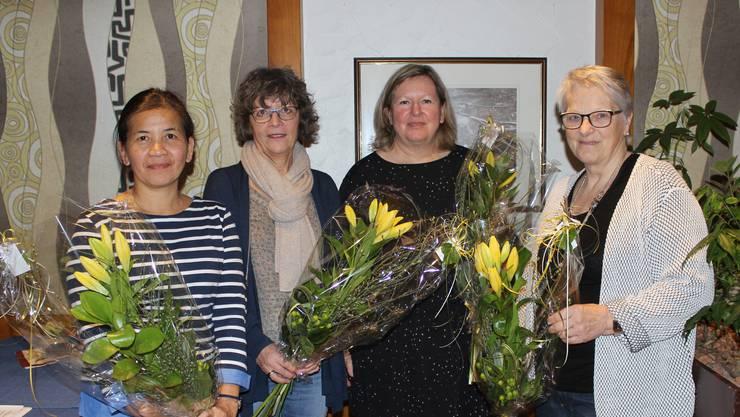 Janet Studer, 15-Jahre Mitglied; Christina Meier, neues Mitglied; Yvonne Strässle, Präsidentin; Lily Kofel, 15-Jahre Mitglied; (auf dem Bild fehlt Monica Remund, neues Mitglied