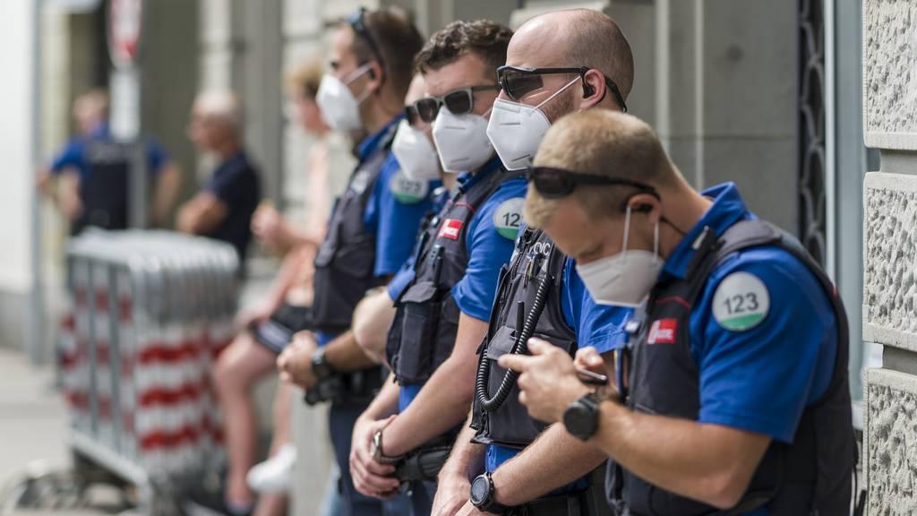 Polizei «beobachtete» unbewilligte Demonstration in Bern