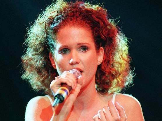 Die Bernerin Gunvor Guggisberg während ihrem ersten Konzert am Freitag, 24 Juli 1998, im Zürcher Volkshaus.