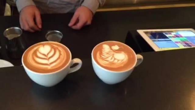 Mit Kaffirahm lassen sich kleine Kunstwerke zaubern, hier ein Schwänli