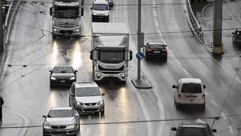Im vergangenen Jahr mussten rund 79'900 Fahrzeuglenkerinnen und -lenker in der Schweiz ihren Führerausweis abgeben. Dies entspricht einem Rückgang von 0,2 Prozent gegenüber 2018.