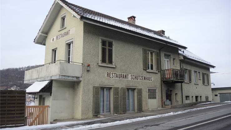 Sechs der elf Asylsuchenden, welche die Gemeinde Ennetbaden neu aufnehmen muss, wohnen im ehemaligen Restaurant Schützenhaus.