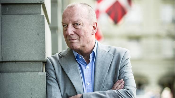 Eine Studie zeigt: Die von Generaldirektor Roger de Weck geführte SRG berichtet weniger über Politik als ARD und ZDF.