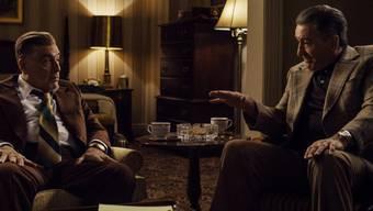 """Der Mafiafilm """"The Irishman"""" mit den Altstars Al Pacino (links) und Robert De Niro (rechts) liegt 2019 in der Gunst der Netflix-Nutzerinnen und -Nutzer in der Schweiz weit vorne. (Archivfilm)"""