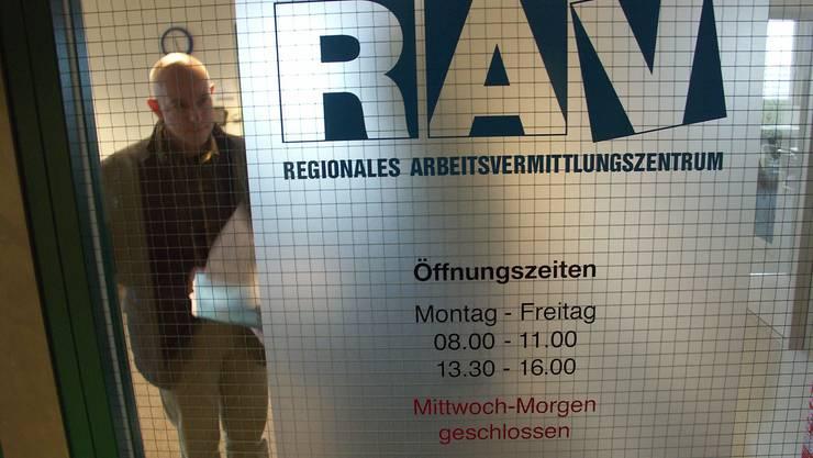 Im Einsatz RAV-Leiter: Peter Greif mit einem Kunden (mke)