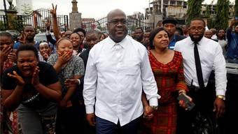 Umstrittener Wahlsieger inmitten fassungsloser Anhänger: Felix Tshisekedi.