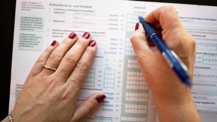 Die Jungfreisinnigen erwarten durch Steuerfusssenkungen «dynamische Effekte», die zu Mehreinnahmen führen.