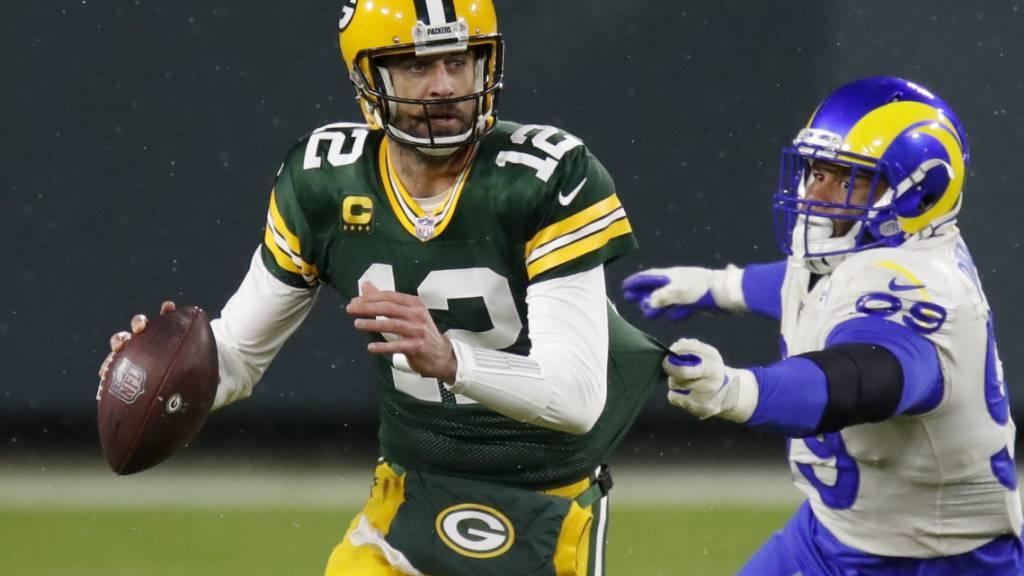 Quarterback Aaron Rodgers führt die Green Bay Packers mit seinen Pässen zum Sieg gegen die Los Angeles Rams