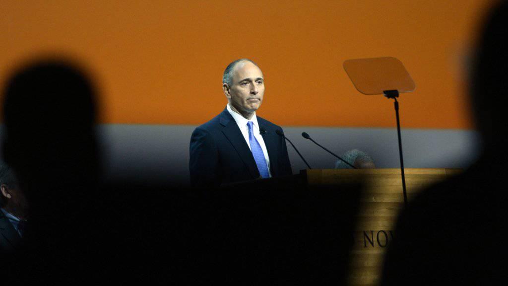 Der Konzernchef von Novartis, Joseph Jimenez, hat vergangenes Jahr über 10 Millionen Franken verdient (Archiv).