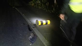 Ein stark alkoholisierter Mann fuhr in der Nacht von Mittwoch auf Donnerstag in eine Verkehrsinsel.