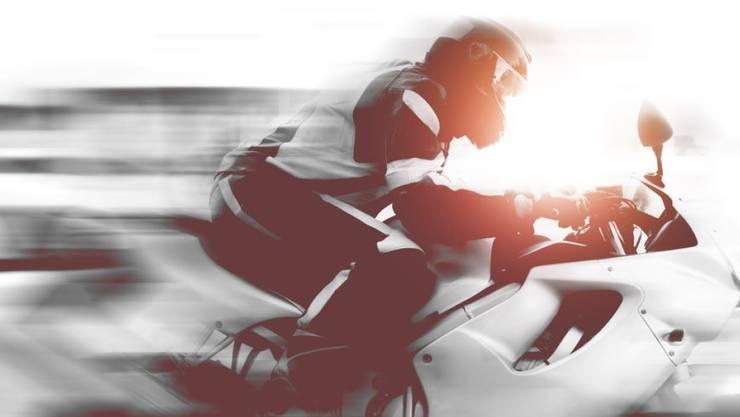 Wieso der Motorradfahrer von der Fahrbahn abkam, ist noch nicht klar. (Symbolbild).