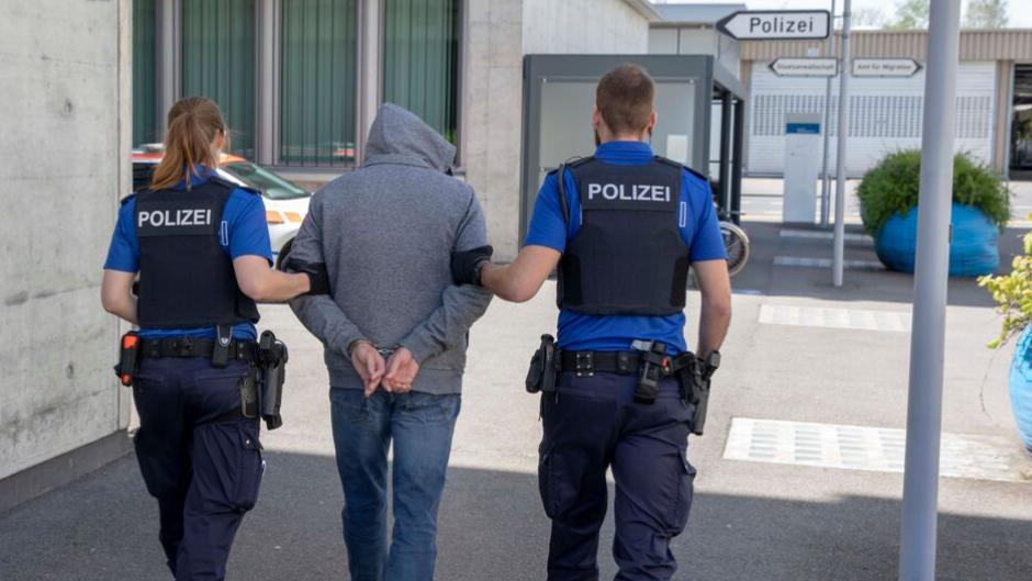 Die Jugendkriminalität im Kanton Zug hat im letzten Jahr um fast 20 Prozent zugenommen.