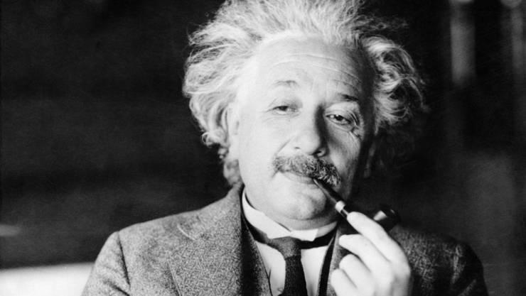 Zwei handschriftliche Sinnsprüche von Albert Einstein erzielten hohe Preise an einer hohen Auktion in Jerusalem