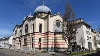 Der psychisch kranke Mann beleidigte jüdische Mitglieder vor der Synagoge in Basel. (Archivbild)