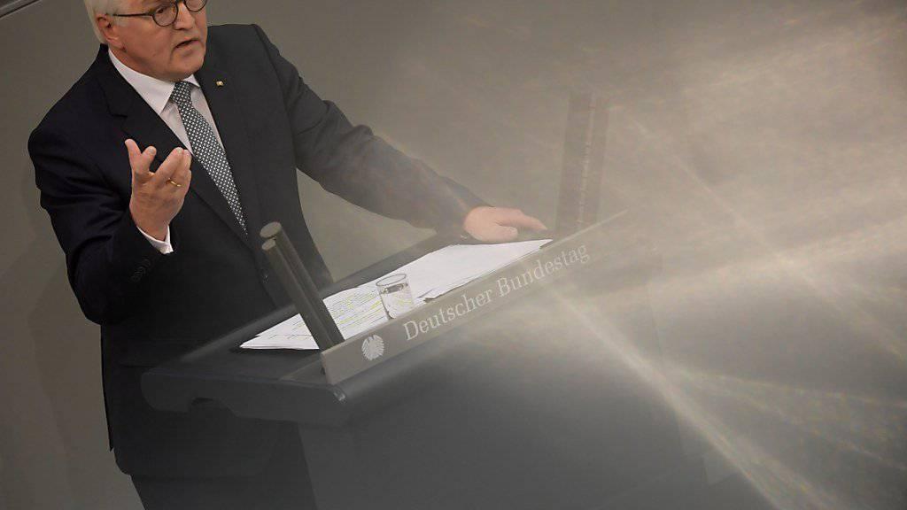 Klare Worte des neuen deutschen Bundespräsidenten: Frank-Walter Steinmeier bei seiner Rede nach der Vereinigung im Bundestag.