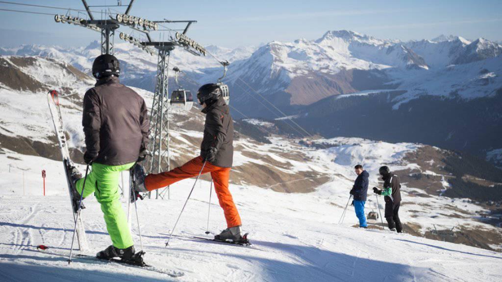 Anfang Winter war Schnee in vielen Schweizer Skistationen Mangelware. Besonders in Graubünden, im Bild Arosa, gab es einen markanten Rückgang der Hotelübernachtungen.